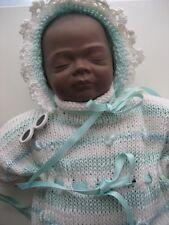 Sammlerpuppe, kleines farbiges Porzellan Puppenbaby, ca. 33 cm, Neu,unbespielt.