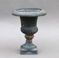 Petit vase Médicis en fonte de fer - fin 20e siècle