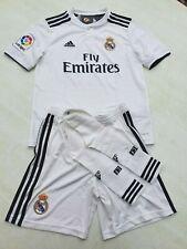 Ensemble enfant neuf du Real de Madrid, maillot, short et chaussettes 11-12 ans