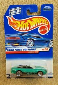 New 1998 First Editions Mattel Hot Wheels Diecast 1:64 Jaguar XK8 Item #639