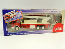 Siku 1/55 - Mercedes Camion Nacelle Pompiers
