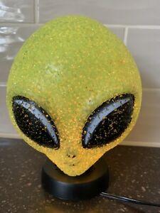 GREEN ALIEN HEAD GLOW LAMP NIGHT LIGHT UFO Extra Terrestrial Sparkle