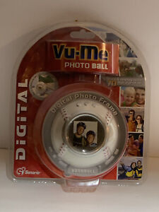 New Vu-Me Digital PhotoBall Decoration Frame Displays Up to 70 photos 2007