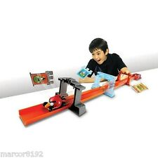 Hot Wheels Track set Angry Birds Toy Slingshot Launch Pig-pop Action W/ Car New