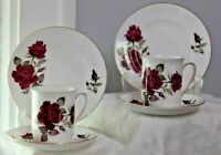6pc of Vintage Windsor Bone china 2 Cup & 2 Saucer & 2 B&B plates England Roses