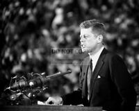 JOHN F. KENNEDY 1960 DEMOCRATIC NATIONAL CONVENTION - 8X10 PHOTO (BB-621)