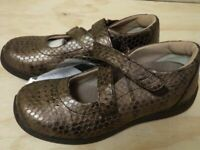 New Drew Orchid Nappa Bronze Womens Orthopedic Shoes Size 6 M (DRW047)
