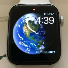 Apple Watch Series 4 - 44 mm Silver Aluminum Case with White Band (GPS + Cell)