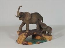 Elefant mit Baby auf Baumstamm Skulptur Deko Garten Tier Figur Afrika Statue