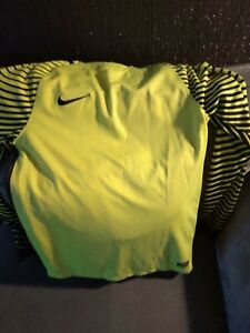 mens Nike dri fit goalkeeper top size small - worn once