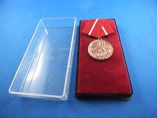 Orden der DDR Kampfgruppe mit Urkunde 1.5.1973 Medaille für treue Dienste Deutsc