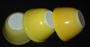 PYREX - 1 1/2 PT. #401 YELLOW Mixing Bowls DAISY, VERDE, GOLD (3)