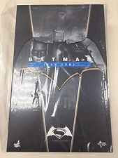 Hot Toys MMS 342 Batman v Superman: Dawn of Justice with Tech Cowl Figure NEW