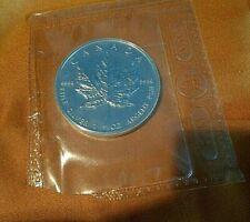 Silver! 1 troy oz 2003 Canadian Mint $5 BU Maple 9999 Pure Silver