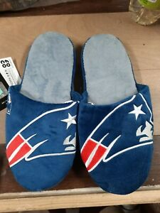NFL Slippers FOCO New England Patriots Men Medium 7-8 house shoes slid on