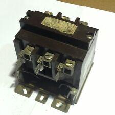 9560H1610A Cuttler Hammer Contactor 3Phase 3P Coil 120V 60HZ