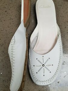 CLARKS WHITE LEATHER SANDAL/MULES UK 8 WORN ONCE