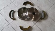 FORD FOCUS MK 2  1.6  05-10 TWO REAR BRAKE DRUMS WITH &A SET OF FOUR BRAKE SHOES