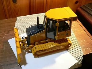 John Deere 650H Dozer ERTL LIMITED EDITION PRECISION  1:16 Scale Model USED