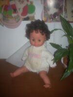 Bambola furga secondo marchio non funzionante  h.cm 45 con difetti leggi......