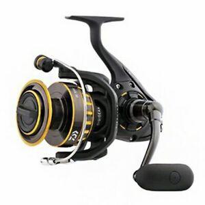 Daiwa BG4000 BG Saltwater Spinning Reel 4000 17.60lb Max Drag - Fishing