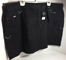 BRAND NEW LADIES PLUS SIZE STRETCH BLACK CARGO SHORTS / SKORTS SIZE 26