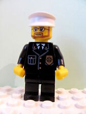 LEGO Minifig cty097 @@ Police - City Suit Blue Tie & Badge, Beard & Glasses 7744
