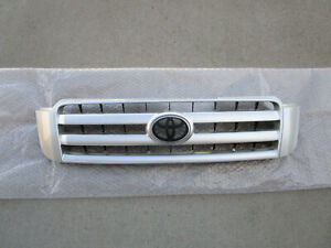FITS: 03 - 07 TOYOTA HIGHLANDER FRONT RADIATOR GRILLE OEM BRAND NEW