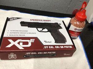 "Springfield Armory XDE 4.5"" .177 Cal CO2 Blowback BB Air Pistol bundle"