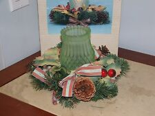 VINTAGE CHRISTMAS HURRICANE CANDLE WITH WREATH TABLE CENTERPIECE