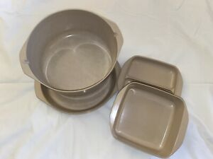 Set Of 2 Anchor Hocking Microware Microwave with Lids PM480-TI & PM481-TI