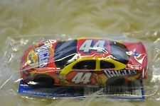 Hot Wheels Salute to Richard Petty 2001 Dodge Intrepid #44 Bugles Racing 1:64