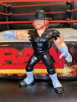 WWE THE UNDERTAKER HASBRO WRESTLING FIGURE WWF SERIES 4 1991