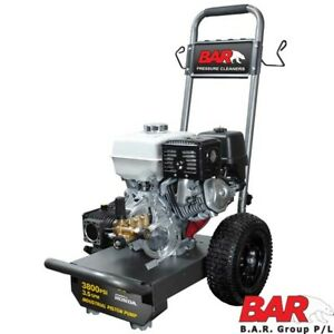 HONDA POWERED PRESSURE CLEANER - 3800 PSI - 15M HOSE AND GUN AND LANCE