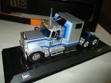 1 43 IXO GMC General Towing Vehicle 1980 Silver/blue