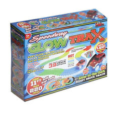 Glow TRAX SPEEDWAY-GLOW IN THE DARK LIGHT UP AUTO DA CORSA 220 PEZZI 11 FT (ca. 3.35 m) TRACK