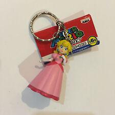 Nintendo Super Mario Banpresto Princess Peach Keychain Figure