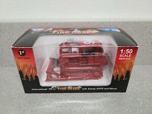 International IH TD-15 Crawler Dozer - Fire Dozer First Gear 1:50 Scale #50-3074