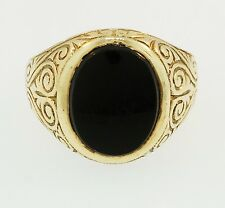 9ct Yellow Gold Oval Onyx Patterned Shoulders Signet Ring (Size M) 15mm Widest