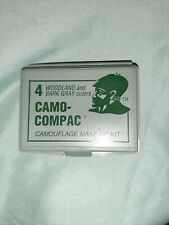 Camo Compac camouflage Make-Up Kit with mirror