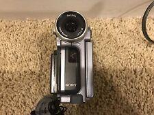 Sony Dcr-Ip5 Camcorder - Silver need repair, read descriptions.