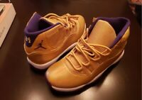 New Kobe Bryant Tribute Custom Jordan's Handmade By Artist US Mens Size 10