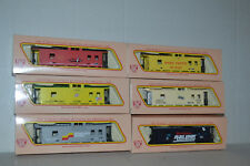 6 Assorted IHC 38' EV Cabooses HO scale
