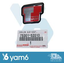 Genuino Nuevo Toyota Yaris T Deporte Insignia Emblema Frontal 75301-52010, 7530152010