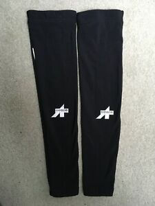 Used black Roubaix Assos cycling arm warmers - size XL
