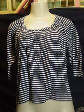 Women's Misses GAP Size M Black/White Stripe 3/4 sleeve Knit Shirt EUC