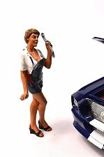 SOFIE LADY MECHANIC AMERICAN DIORAMA 23859 1:18 ACCESSORY CAR NOT INCL DAMAGE