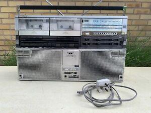 SHARP GF-555E STEREO RADIO TWIN CASSETTE PLAYER GHETTOBLASTER BOOMBOX RETRO