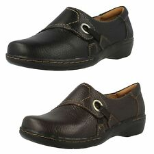 "Clarks Flat (less than 0.5"") Standard (D) Shoes for Women"