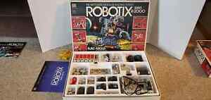 Classic ROBOTIX Expansion Series R-2000 Motorized Modular Building System w/Box